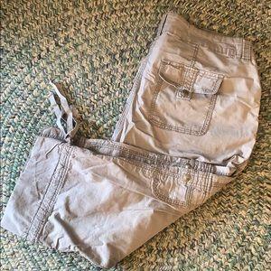'Gabrielle' Crop Cargo Pants